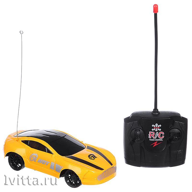 Машина спортивная на радиоуправлении